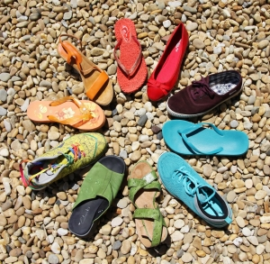 Soñar con zapatos de colores