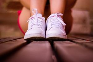 Soñar con zapatos blancos